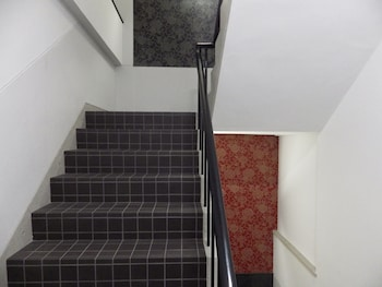 HIROSHIMA WABISABI HOSTEL Staircase