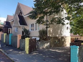 Хостел ABC, Эсто-Садок