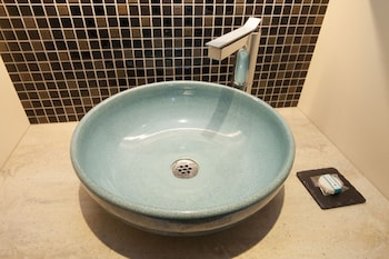 HOTEL ETHNOGRAPHY GION SHINMONZEN Bathroom Sink