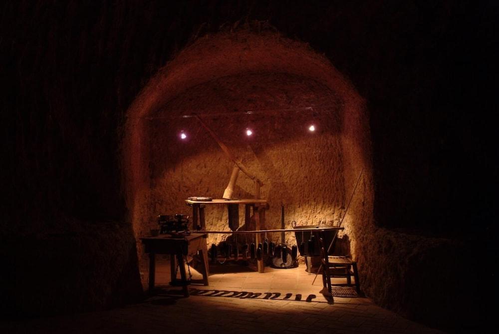 Cave, 2 bedrooms (4+1)