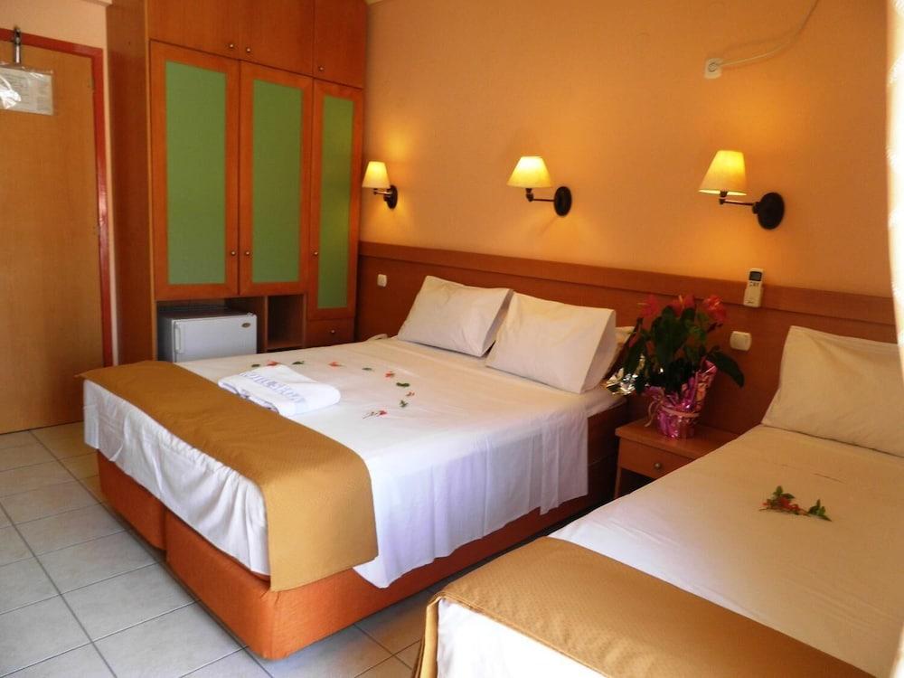 https://i.travelapi.com/hotels/20000000/19080000/19078000/19077931/57f200c5_z.jpg