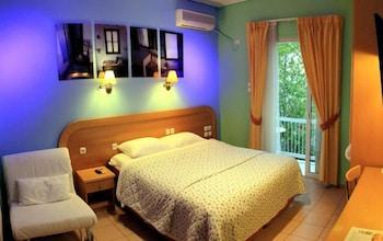 https://i.travelapi.com/hotels/20000000/19080000/19078000/19077931/99f7a33a_b.jpg