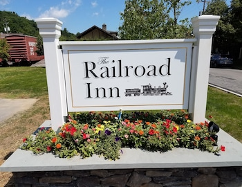 Hotel - The Railroad Inn