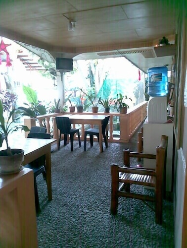 Emok's Guest House, Moalboal