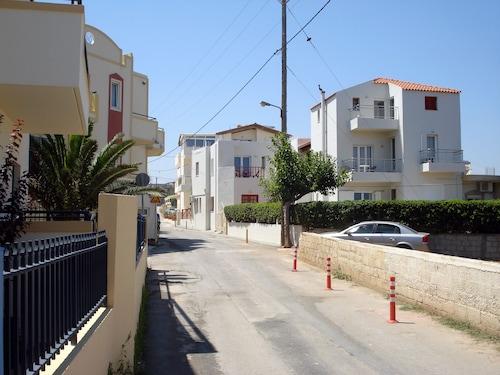 . Elina Apartments Gouves