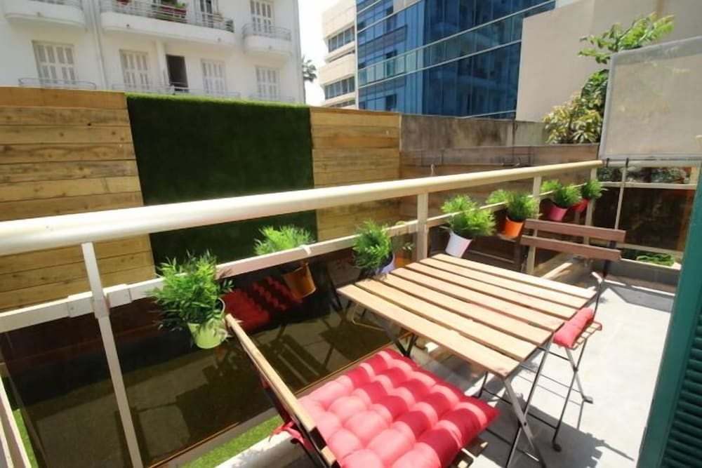 Nice Booking - Myranice - Jardin - Calme