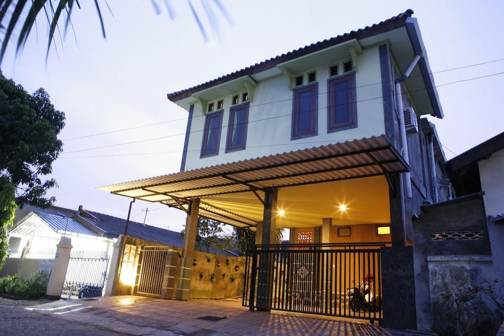 Sekardiyu Guest House