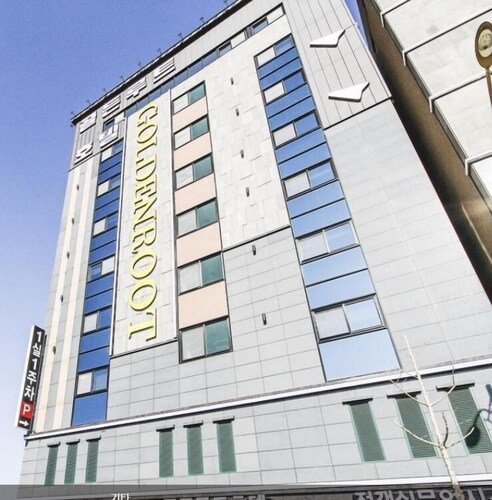 GoldenRoot Hotel in Gimhae, Gimhae