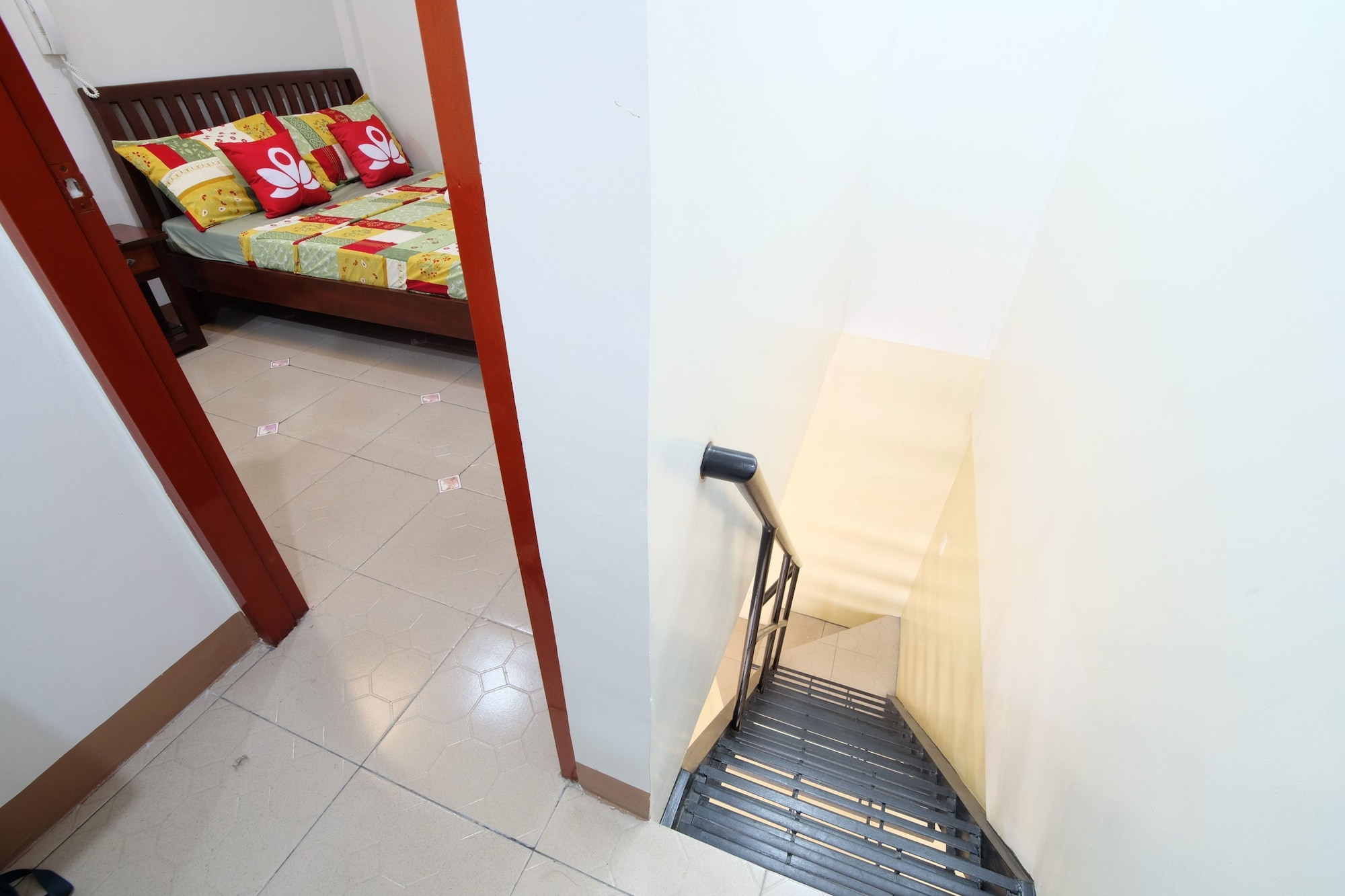 ZEN Rooms Hotel Georgina Tagaytay, Amadeo