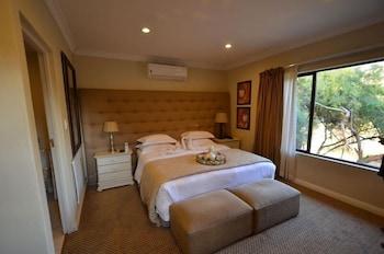 https://i.travelapi.com/hotels/20000000/19110000/19103200/19103162/197ce347_b.jpg