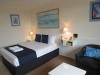 Standard Queen Room (Room 6) at Aspley Pioneer Motel in Aspley