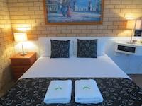 Standard Queen Room (Room 10) at Aspley Pioneer Motel in Aspley