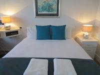 Standard Queen Room (Room 7) at Aspley Pioneer Motel in Aspley