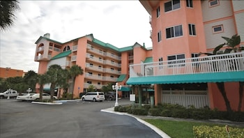 Beach 1509 - 3 Br condo by RedAwning