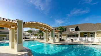 Village by the Beach L824 - 2 Br townhouse by RedAwning