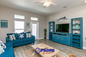Village by the Beach I919K - 1 Br townhouse by RedAwning