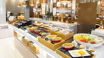CANDEO HOTELS TOKYO ROPPONGI Breakfast Area