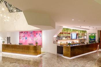 逸東山飯店 Eatons Hill Hotel