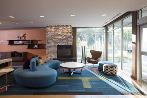 . Fairfield Inn & Suites by Marriott Detroit Lakes