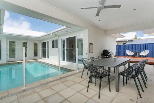 Laguna Retreat, Cairns - Northern Suburbs