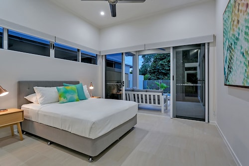 Lilypad at Palm Cove, Cairns - Northern Suburbs