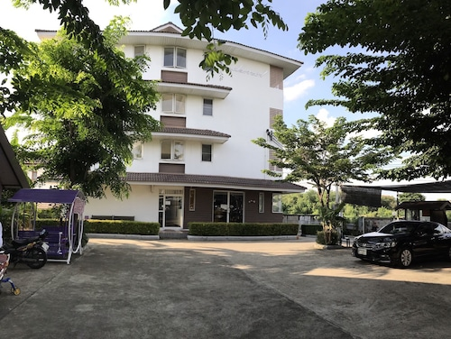 Ruan Plaisoi Apartment, Bang Khae