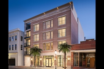 Exterior at Bluegreen Vacations King Street Resort Ascend Hotel Collection in Charleston