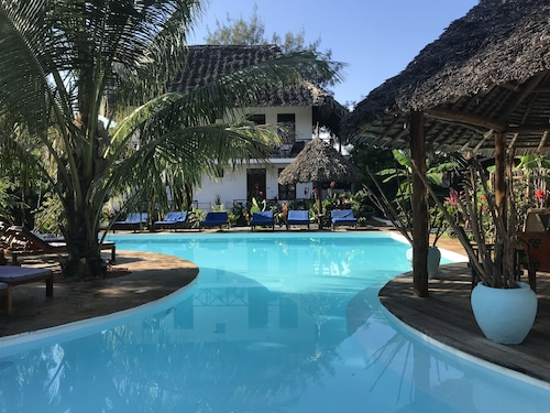 Aluna Beach Lodge, Kaskazini 'A'