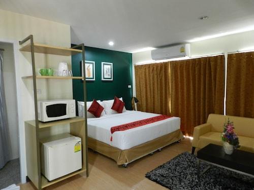 Klean Residence Hotel, Khlong San