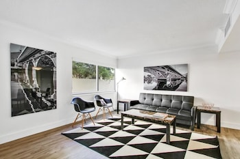 Modern 1BR in Coconut Grove by Sonder photo