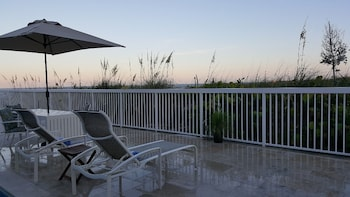 Panoramic Studio, 1 King Bed, Terrace, Oceanfront