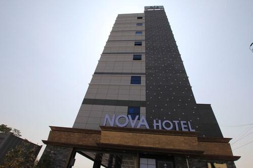 NOVA Hotel, Buk