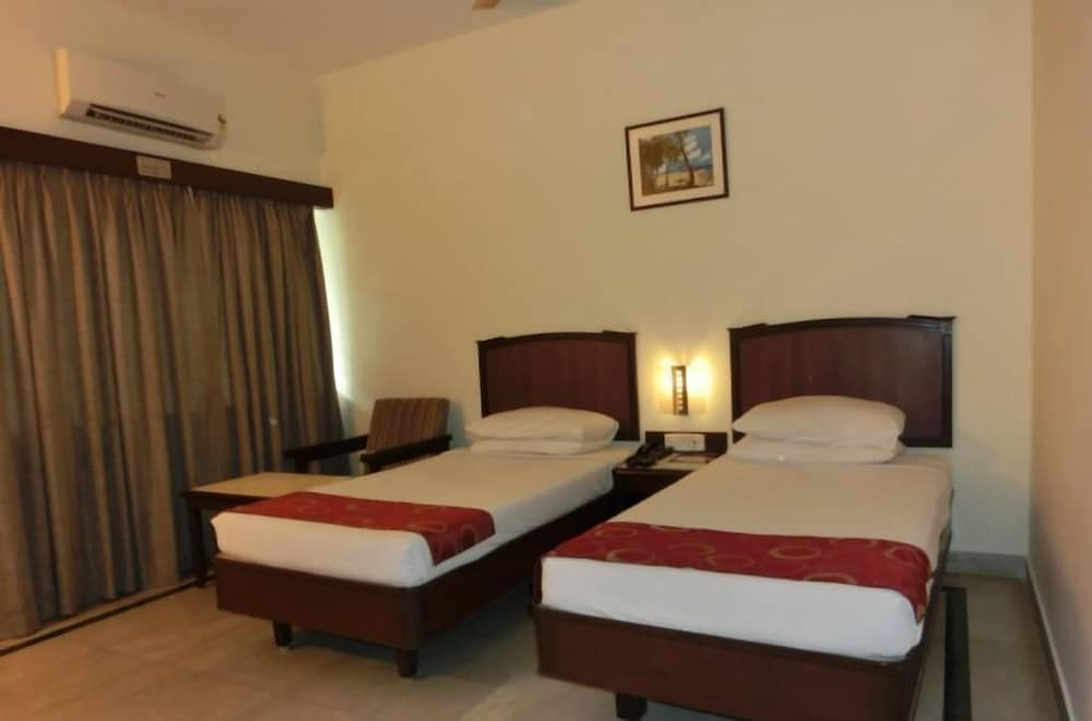 Business Double Room, Smoking, City View