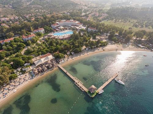 . Mark Warner Phokaia Beach Resort