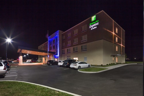 . Holiday Inn Express & Suites Indianapolis NW - Zionsville, an IHG Hotel