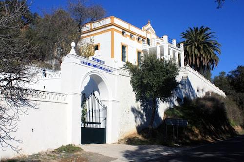 . Ermita House 102404 by MO Rentals