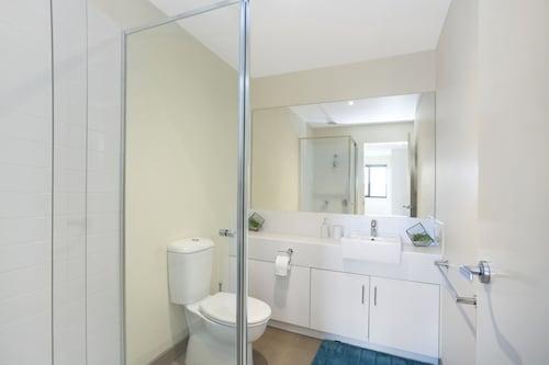 Astra Apartments Glen Waverley @ Springvale RD, Monash - Waverley East
