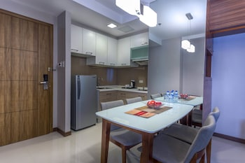 VALERO GRAND SUITES BY SWISS-BELHOTEL MAKATI In-Room Dining