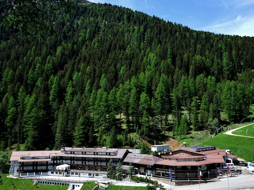 __{offers.Best_flights}__ Sport Hotel Pampeago