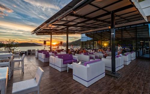 Grand Hotel Neum, Herzegovina-Neretva
