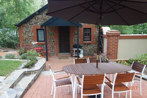 Sherwoode Bed and Breakfast, Adelaide Hills --Central