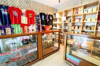 ZEN PREMIUM MAHOGANY AVENUE Gift Shop