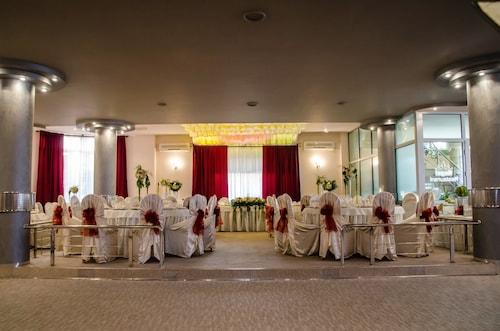 Hotel Regat, Pitesti