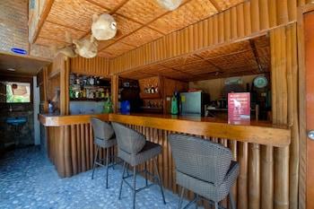 ZEN ROOMS WHITE BEACH Bar