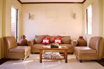 ZEN ROOMS JILIAN TOURIST INN PALAWAN Lobby Sitting Area
