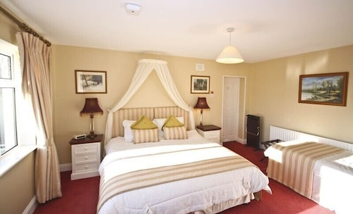 Newlands Country House,