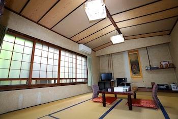 和室 10畳 (バストイレなし ) 禁煙 最大4布団 18㎡ 日の出旅館