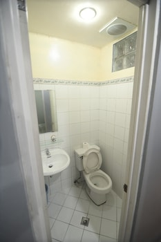 PINE BREEZE COTTAGES Bathroom