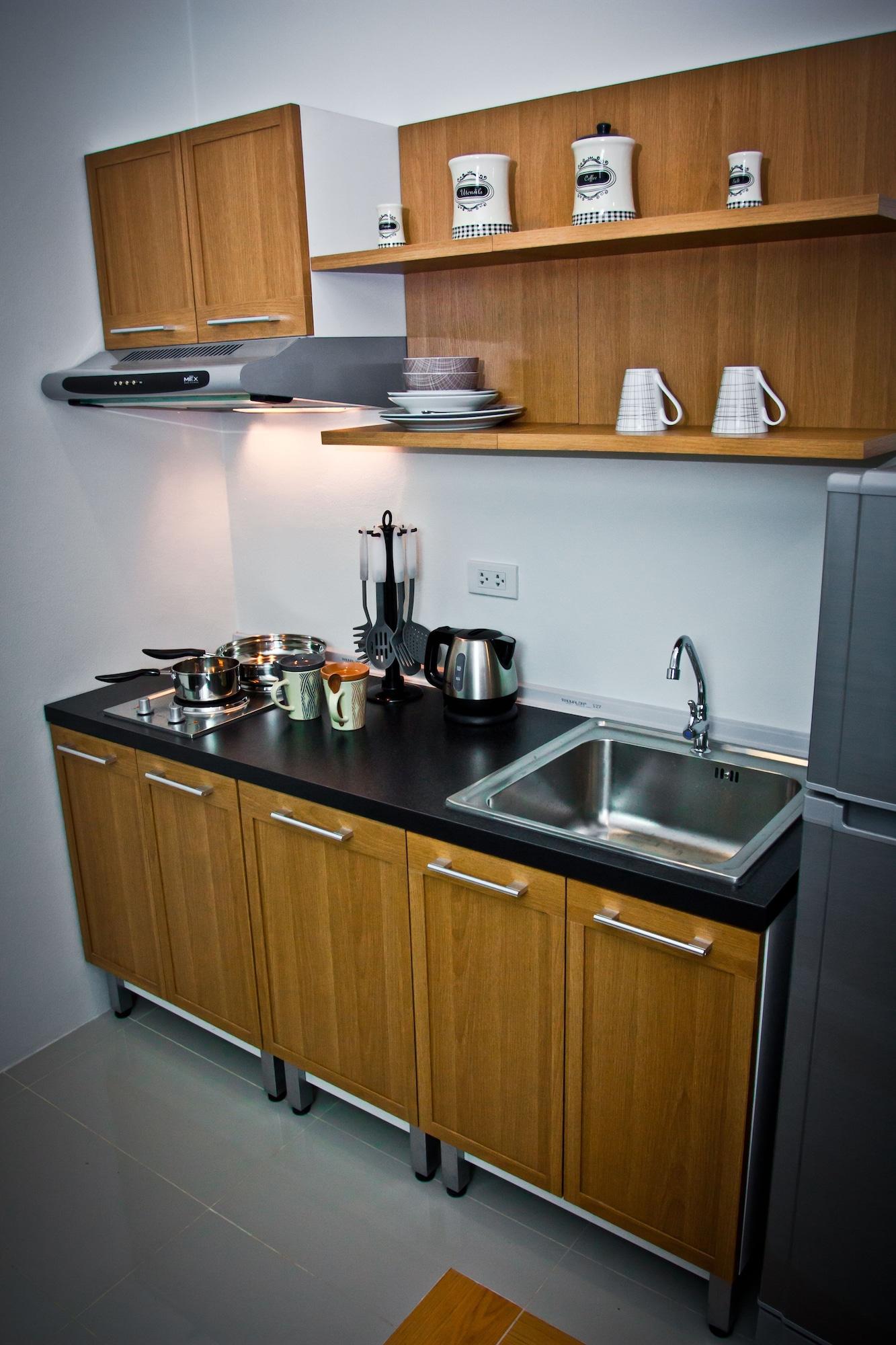 Winner Prachinburi & Serviced Apartment, Sri Mahar Pho