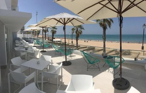 Hotel Agaró, Cádiz